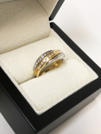 18 K Bicolor Gouden Bandring / Slag Ring 0.25 Briljant Geslepen Diamant