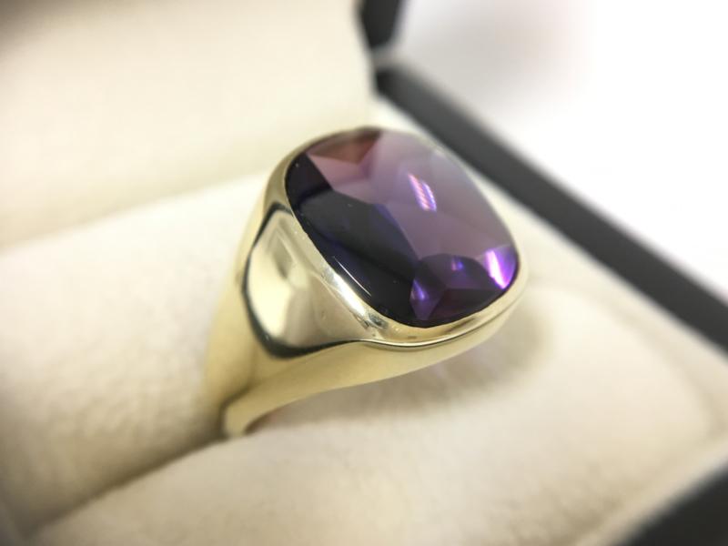 14 K Gouden Heren Ring Cabochon Geslepen Amethyst