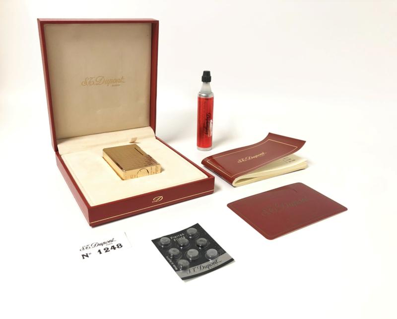 S.T. Dupont Carré Aansteker 18 K Verguld - Full Set