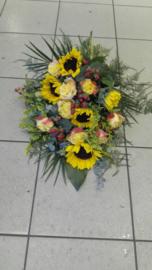 rouwboeket zonnebloem geel (op foto middel formaat)