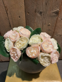 Boeketje pioenrozen zacht roze/wit