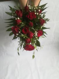 Bruidswerk rode rozen kort langwerpig