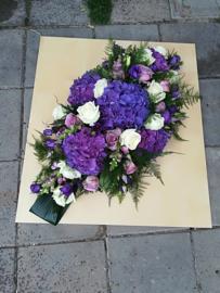 Rouwstuk paars/blauw lang luxe (op foto middel formaat)