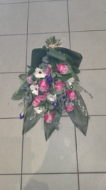 rouwboeket paars/wit (zoals foto)
