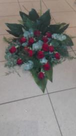 Rouwboeket rode rozen luxe (op foto middel formaat)