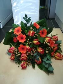 Rouwboeket oranje (op foto middel formaat)