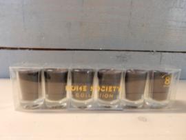 6 kaarsjes in glaasje in kleur zwart 8 branduren p. Stuk