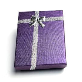 Kartonnen cadeaudoosjes zilver/paars