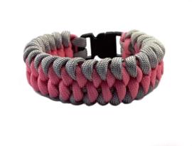 Platte slangenknooparmband roze grijs
