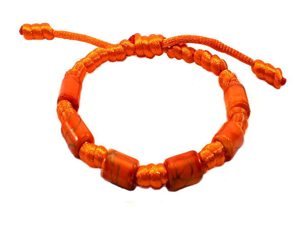 Franciscaans geknoopte armband oranje ton sur ton