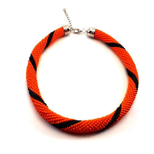 Gehaakte kralenketting oranje met zwart