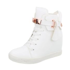 Prachtige witte hoge sneakers met decoratief slotje