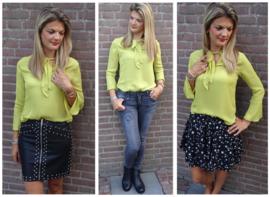 Prachtig geel blouse met strik en uitlopende mouwen