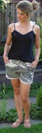 Prachtige short met camouflage print