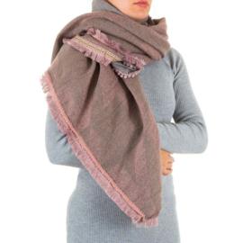 Prachtige sjaal met franjes