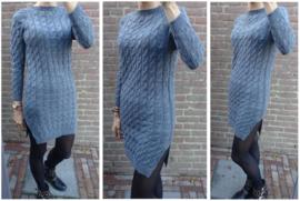 Stijlvolle en stoere jurk met kabelstuctuur