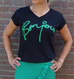 Prachtige groene rok met ruches en 'bonjour' t-shirt