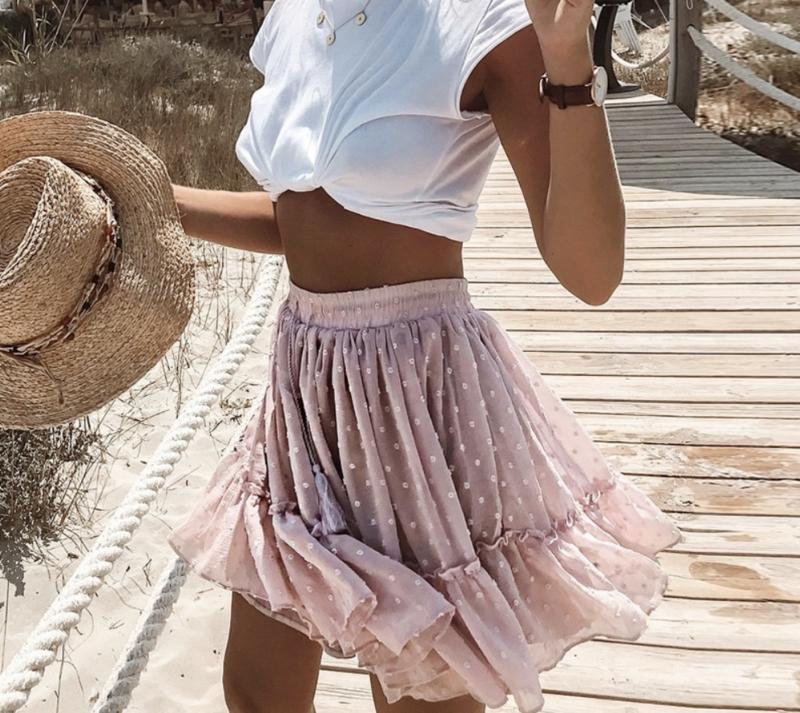 Prachtige roze zomerrok met stippen