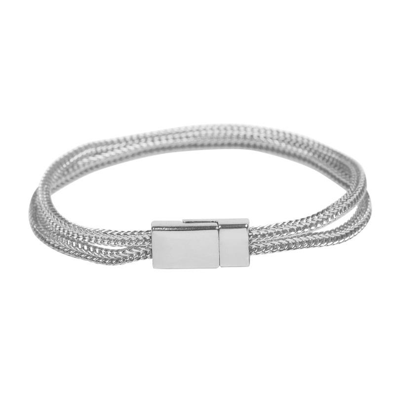 Zilverkleurige armbandjes met magneetsluiting