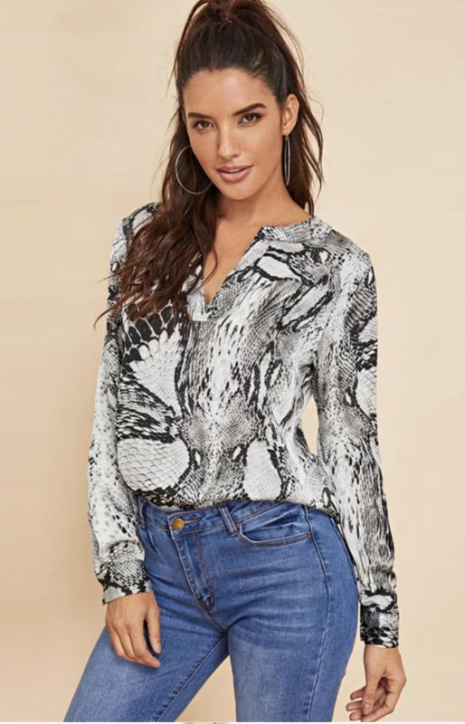 Stijlvolle blouse met snake print ??