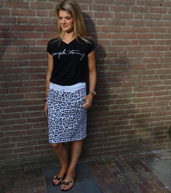 Welp Prachtige rok met panter print in combinatie met t-shirt met tekst MD-77