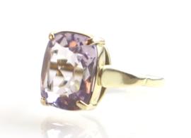 Vintage gouden ring met violette spinel, jaren '30/'40.