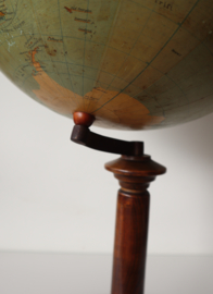 Antieke Globe 1925