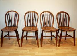 Set van vier antieke Windsorstoelen 19e eeuw