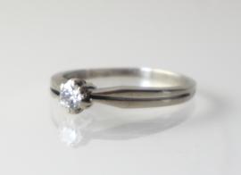 Vintage witgouden ring met diamant