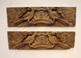 Twee antieke snijstukjes
