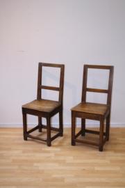 Twee antieke stoeltjes ca 1800 (setprijs)
