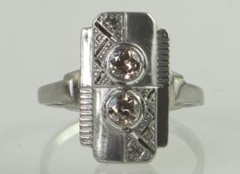 Antieke witgouden Art Deco ring met twee oudslijpel diamanten