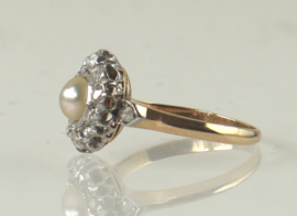 Antieke 18 kt gouden ring met roosdiamant en natuurlijke parel, ca 1900