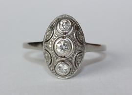 Antieke Art Deco 18 kt witgouden en platina ring met oudslijpsel diamanten