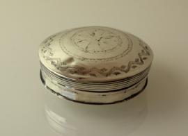 Antiek Nederlands zilveren  tandendoosje 1856