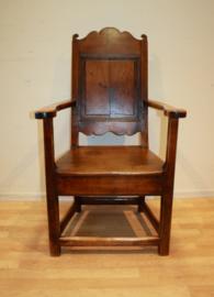 Antiek notenhouten stoel, 18e eeuw