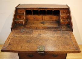 Antieke Engelse secretaire 18e eeuw