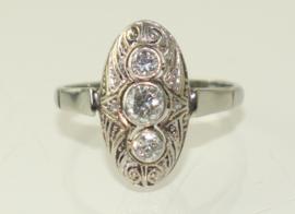 Antieke Art Deco witgouden ring met drie briljant geslepen diamanten
