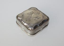 Zilveren pepermuntdoosje 1882, tandendoosje