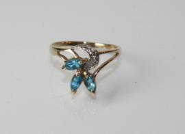 Gouden ring met aquamarijn en diamant
