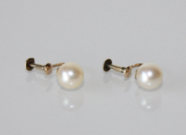 Antieke gouden oorbellen met parel