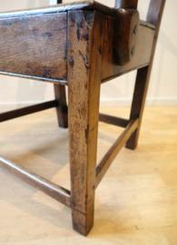 Antieke Engelse armstoel