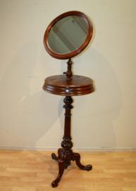 Antieke Engelse spiegel op driepoot