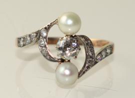 Antieke Art Nouveau ring met oudslijpsel diamant en parels