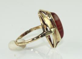 Vintage 14 gouden ring met cabochon streepagaat