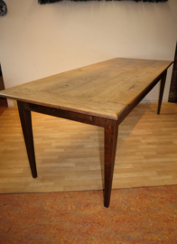 Grote antieke Franse tafel