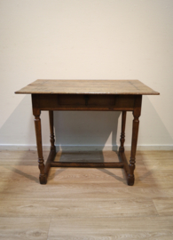Antiek Hollands tafeltje