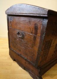 Antieke dekenkist 18e eeuw