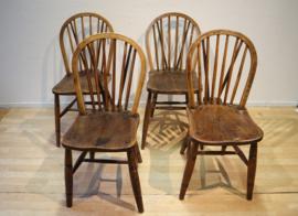 Vier antieke Windsorstoelen