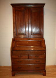 Antiek Engels bureau met boekenkast